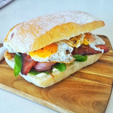 Annandale, Австралия: Bacon and Egg Roll