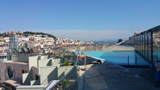 VIP Executive Eden Aparthotel: Rooftop Pool