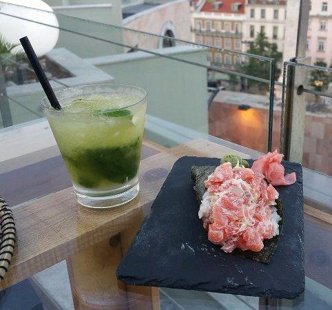 VIP Executive Eden Aparthotel: Rooftop Sushi Bar