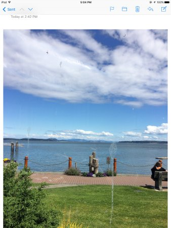 Beacon Landing Restaurant and Pub : View from patio