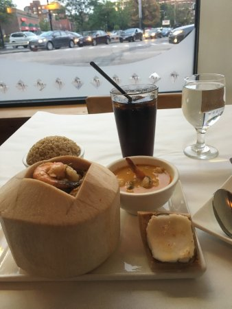 Khao Sarn : Seafood in a coconut with curry, very good