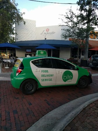South Miami, Floride : Il vaporetto restaurant delivery