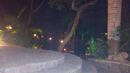 Pousada Le Palmier: Vista de noche