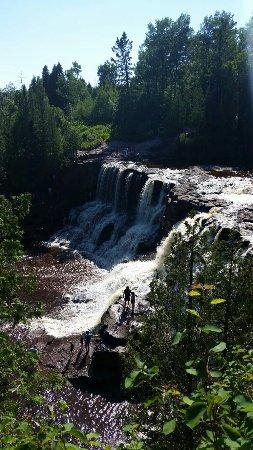Two Harbors, Μινεσότα: Just goreous! Lake superior, and water falls!