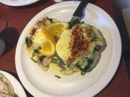 Eggs 'n Things - Waikiki Beach Eggspress: photo2.jpg