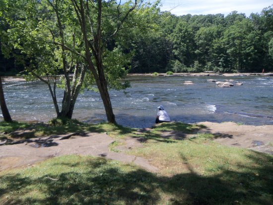 Ohiopyle, Pensilvania: Easy wading in shallow Yough, some rapids