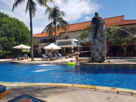 Bali Rani Hotel: We loved the pool