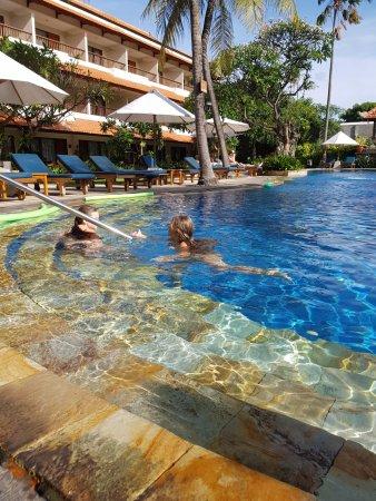 Bali Rani Hotel: crystal water