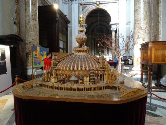 Chiesa di Sant'Ignazio di Loyola: Maqueta de las Iglesias Jesuitas del mundo