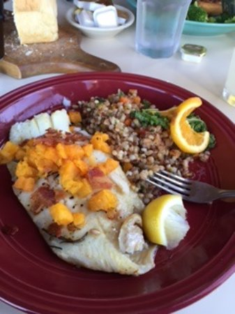 Seneca Falls, Nova York: Butternut Squash Rosemary Crusted Whitefish