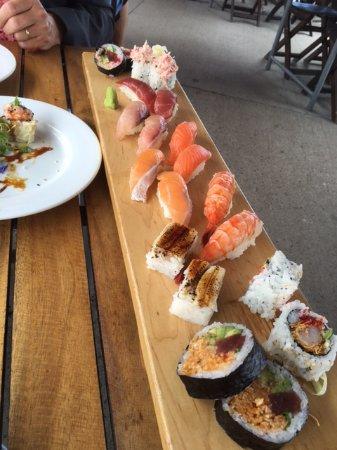 Hillier, Kanada: Sushi Main Course