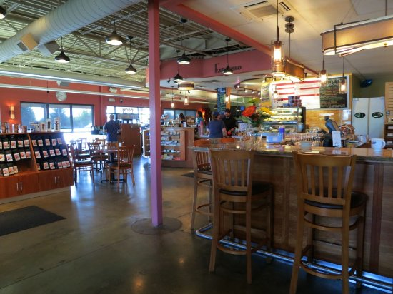 Lafayette, CO: Inside view of Brewing Market. Lots of seating at the bar area, couches, tables and chairs.