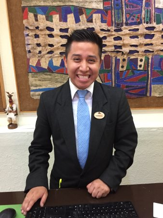 Fiesta Americana Hermosillo: Emmanuel is ready to help you.