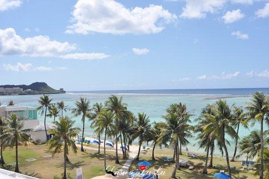 Fiesta Resort Guam: 海景房看出去的景色