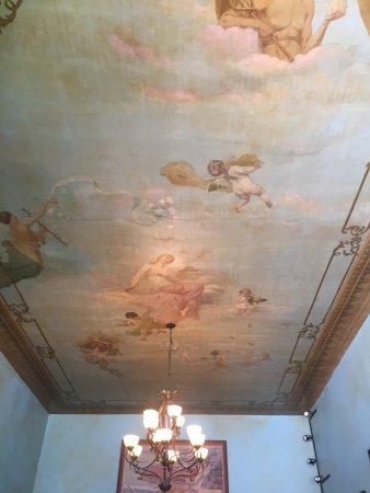 Original US Restaurant: Ceiling mural