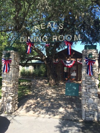 Neal S Dining Room Concan Photo4 Jpg