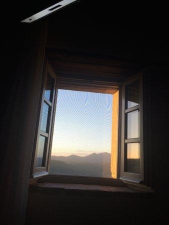 Castiglioncello del Trinoro, Italië: View you wake up to - beautiful
