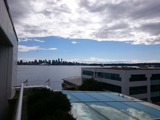 Lonsdale Quay Hotel: IMG_20160710_165125_large.jpg