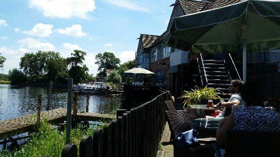 Kegworth, UK: River terrace view