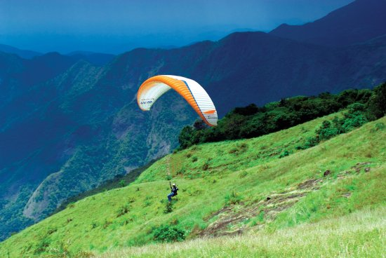 Idukki, India: Paragliding at Vagamon
