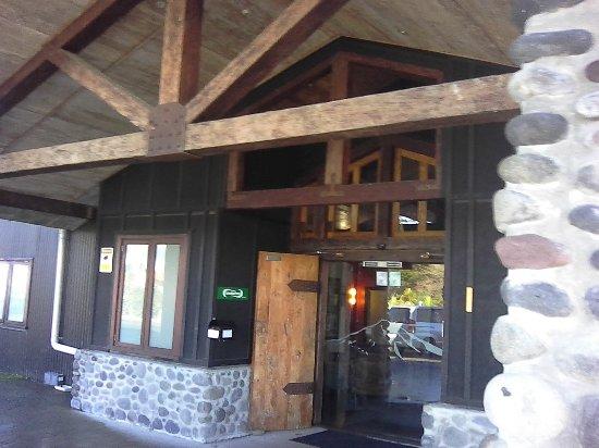 National Park Village, Nuova Zelanda: Front entrance.