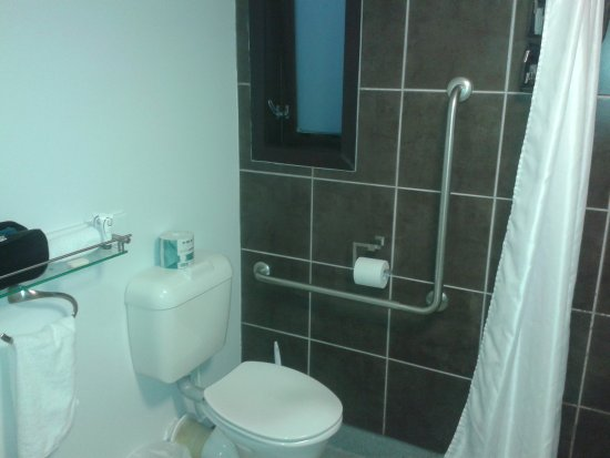 National Park Village, Nuova Zelanda: Bathroom room 2
