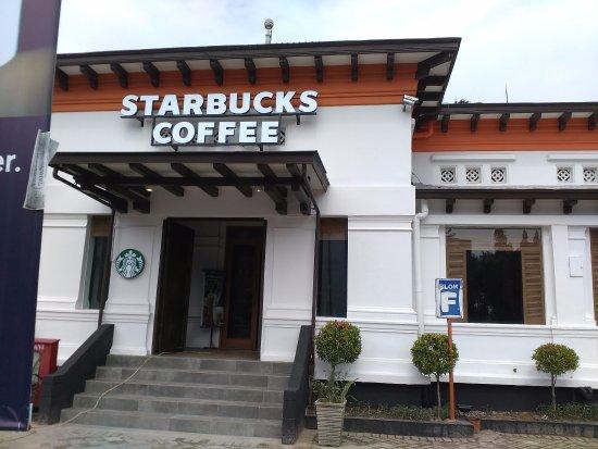 Starbucks Gedung Filateli Jakarta Ulasan Restoran Tripadvisor