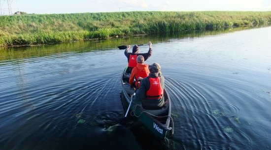 Fourwinds B&B: Canoe hire from here