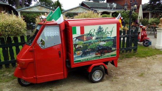 Putbus, Deutschland: voiturette publicitaire