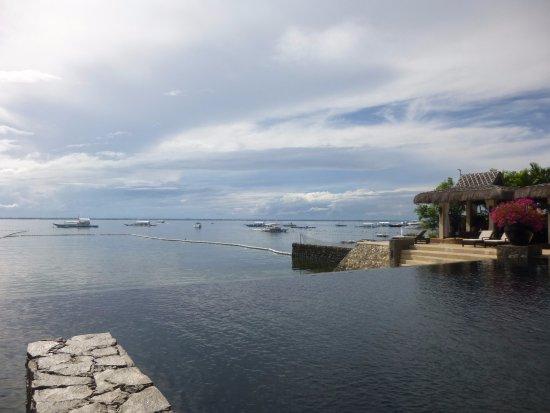 Abaca Boutique Resort: インフィ二ティープールからの眺め