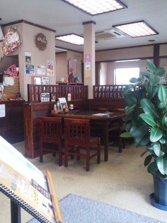 Kariya, Japonya: 店内、禁煙席があると良いです