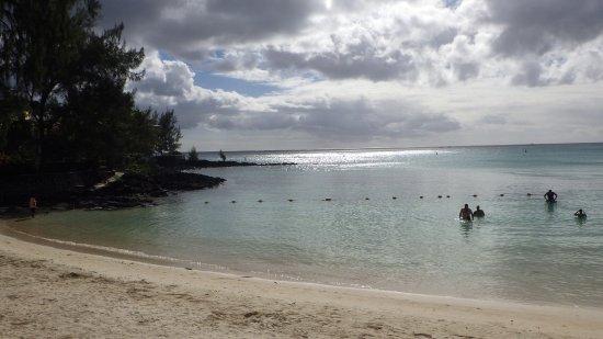 Pereybere Beach: Côté gauche de la plage