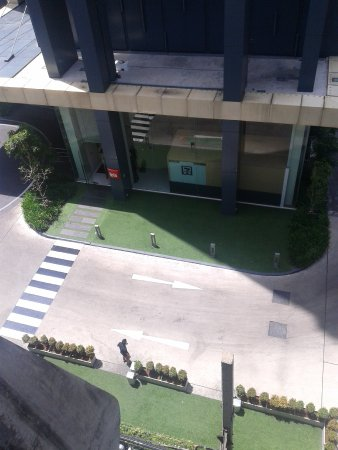 Ibis Bangkok Siam: From BTS to the group, they only provide stairs. But from IBIS going up to BTS, they have elevat