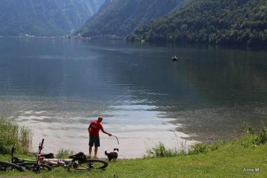 Bad Goisern, Autriche : Widok z tarasu restauracji.