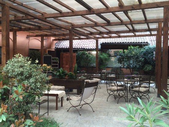 Il giardino terrazzato e l\'orto botanico - Foto di Tenimento Al ...