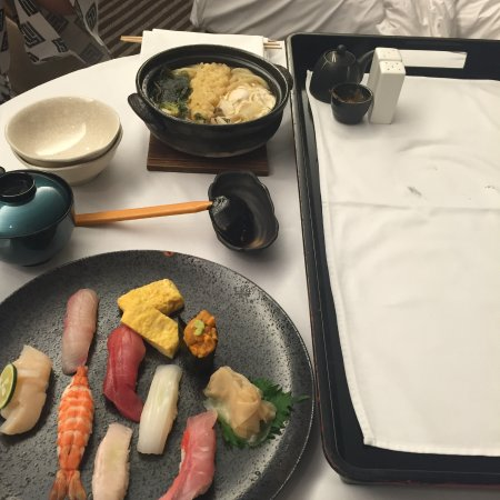 Hyatt Regency Hakone Resort and Spa: Room service- sushi and noodles. Yum!