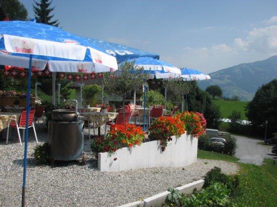 Vella, Zwitserland: Terrassenrestaurant