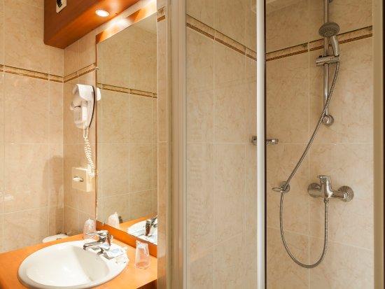 Saint Pierre des Corps, فرنسا: Salle de bain