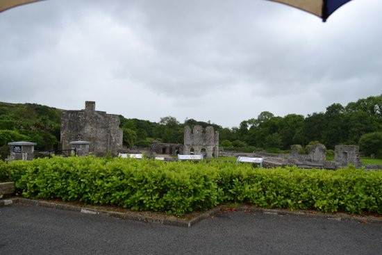 Mellifont Abbey : The site from the carpark