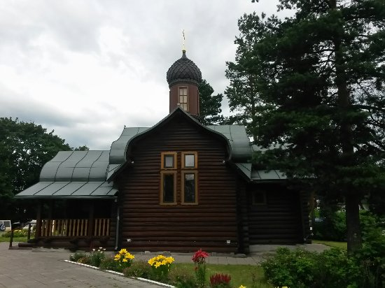 Melnikovo, Russland: Красивый деревянный православный храм