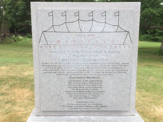 Circus Fire Memorial: Stone monument that is deteriorating