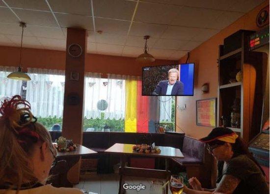 Wolfenbuttel, Germany: gleich Fußball gucken