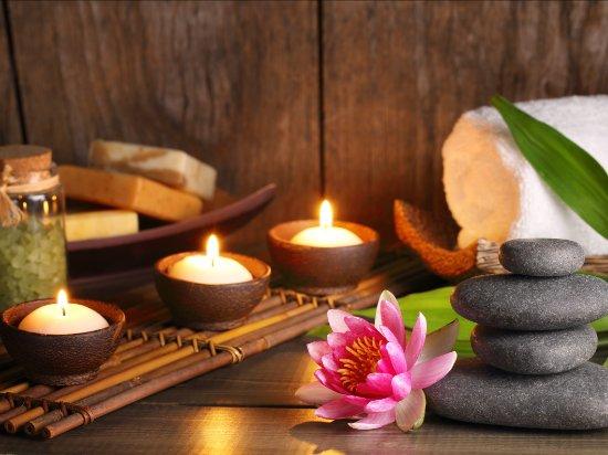 Hot Stone: il Massaggio con le Pietre Laviche   AIM