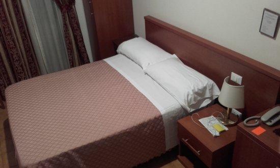 Hotel Stromboli: letto