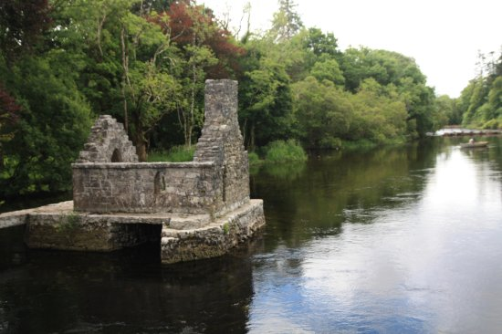 Cong, Ireland: Monk's Fishing House - Am Stadtrand gelegen, direkt am fischreichen Fluss