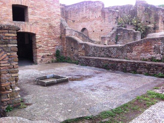 Ostia Antica, อิตาลี: Patio