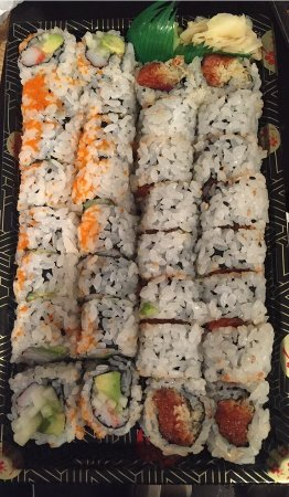 Neptune Beach, FL: Great California roll and spicy tuna roll Personal opinion best sushi at the Beach!