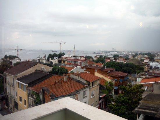 Erguvan Hotel: View of the Bosphorus from the breakfast terrace