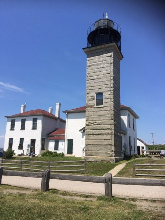 Jamestown, RI: Beavertail Lighthouse & Aquarium