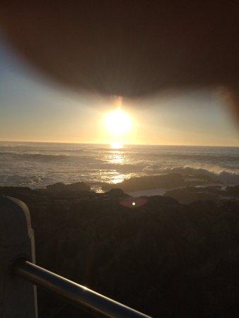 "Bantry Bay, جنوب أفريقيا: ""Sun set beach"""